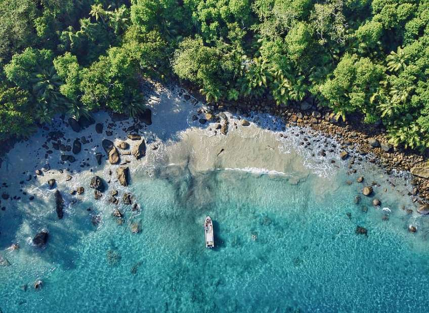 Découvrir les Seychelles en location voiture